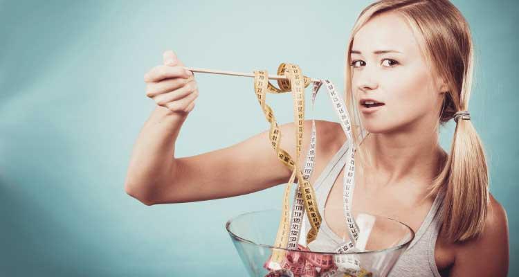 Consumo minimo de calorias para bajar de peso