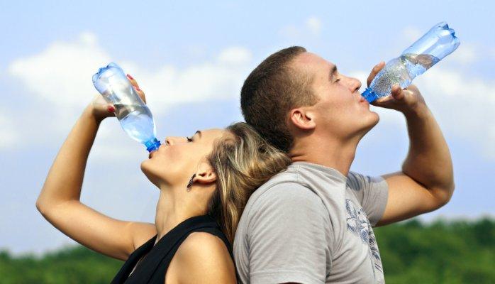 Veja aqui como a hidratação do corpo é essencial para o treino