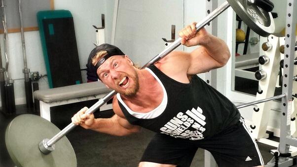 principais erros nos treinos de braço