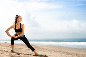 treino de deslocamento de quadril na praia