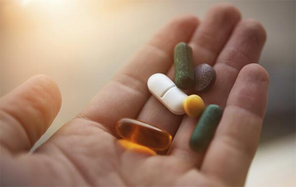 riscos de beber e tomar remédios