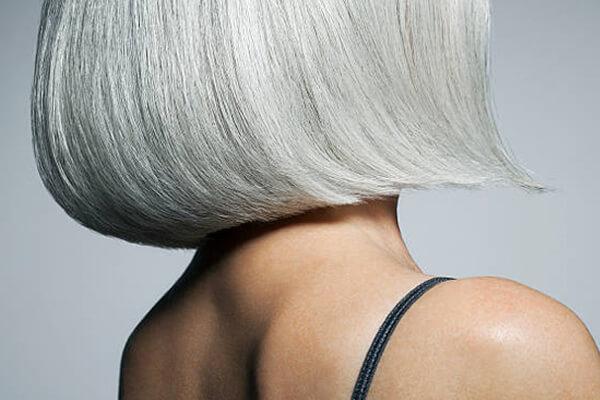Queda de cabelo na menopausa: causas e sintomas.