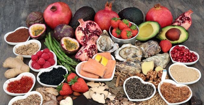 Alimentos que abrem o apetite sexual: conheça os principais motivos