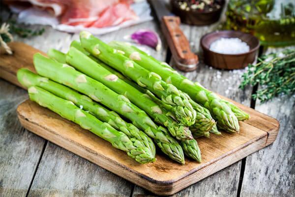 Quais são os benefícios do aspargo? Propriedades e mais