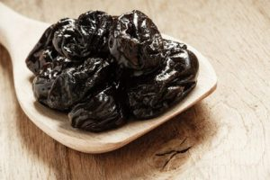 benefícios da ameixa seca