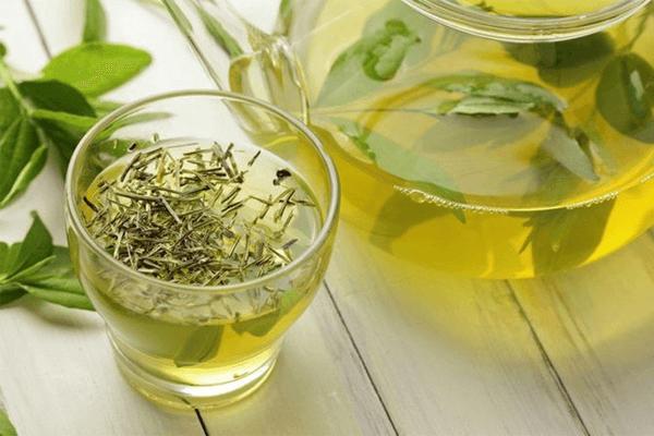 Chá de erva-doce: benefícios, contraindicações e receita!