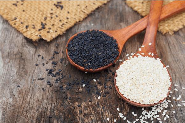 Os benefícios do gergelim, como consumir e cuidados