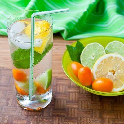 água saborizada benefícios