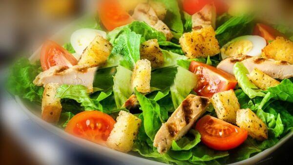 Salada de frango com palmito